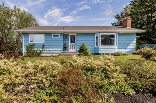 Photo 2: 23 Sherwood Drive in Wolfville: 404-Kings County Residential for sale (Annapolis Valley)  : MLS®# 202123646