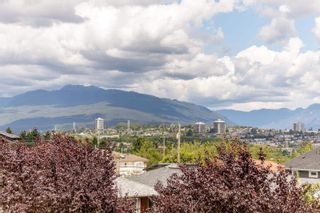 Photo 2: 3066 E 3RD Avenue in Vancouver: Renfrew VE House for sale (Vancouver East)  : MLS®# R2601226