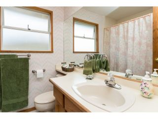 """Photo 16: 14986 20A Avenue in Surrey: Sunnyside Park Surrey House for sale in """"MERIDIAN BY THE SEA"""" (South Surrey White Rock)  : MLS®# R2055119"""