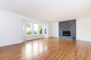 Photo 2: 11886 BONSON Road in Pitt Meadows: Central Meadows House for sale : MLS®# R2292813
