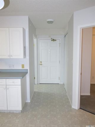 Photo 2: 302 220 1st Street East in Nipawin: Residential for sale : MLS®# SK856973