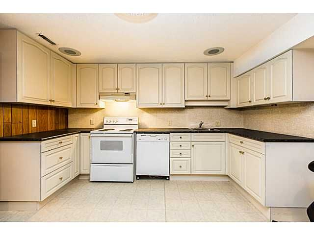 """Photo 11: Photos: 1063 SEVENTH Avenue in New Westminster: Moody Park House for sale in """"MOODY PARK"""" : MLS®# V1090839"""