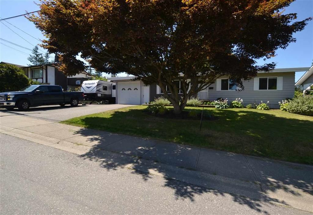Main Photo: 2977 Princess St. in Abbotsford: Abbotsford West House for rent