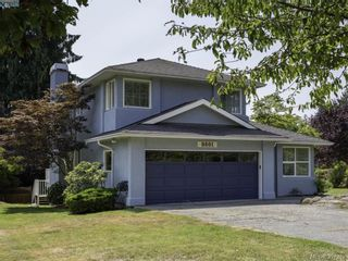 Photo 1: 8601 E Echo Pl in NORTH SAANICH: NS Dean Park House for sale (North Saanich)  : MLS®# 794571