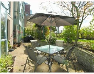 Photo 1: #202 - 212 Lonsdale Avenue in North Vancouver: Lower Lonsdale Condo  : MLS®# V702053