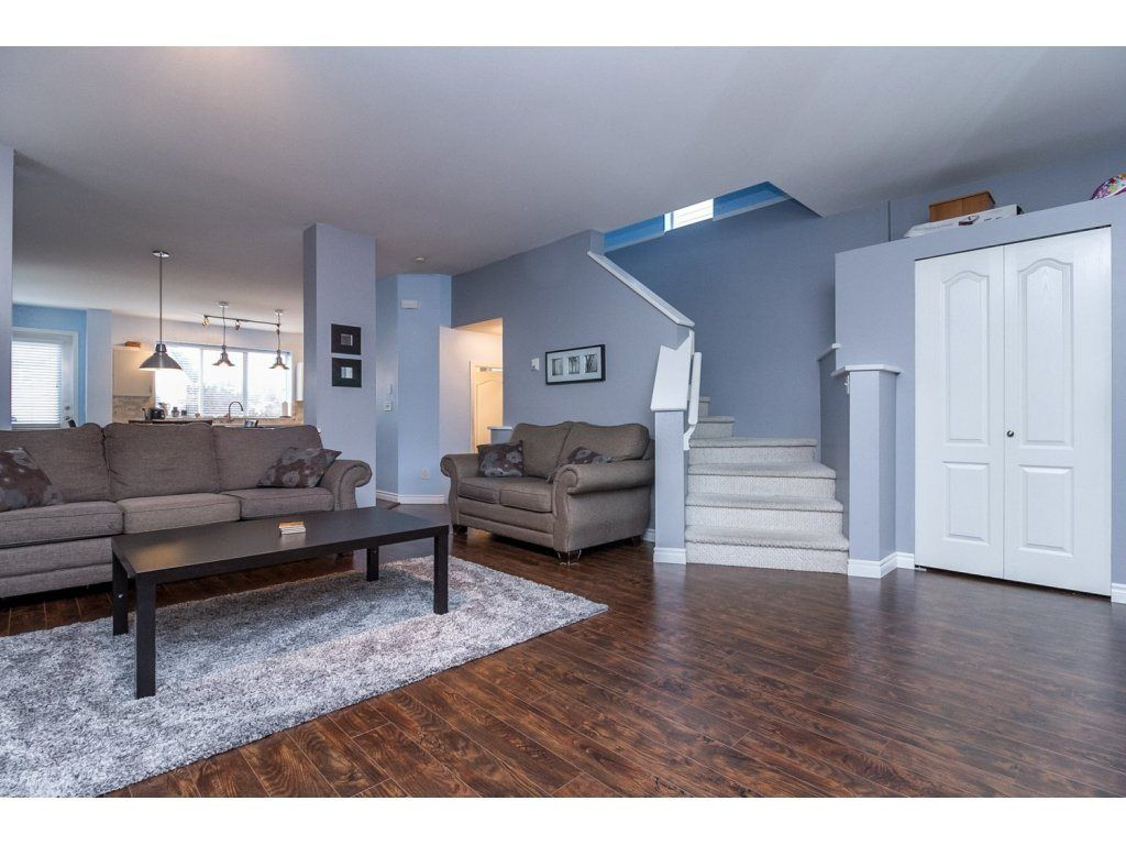 """Photo 5: Photos: 18479 66A Avenue in Surrey: Cloverdale BC House for sale in """"Heartland"""" (Cloverdale)  : MLS®# R2095726"""