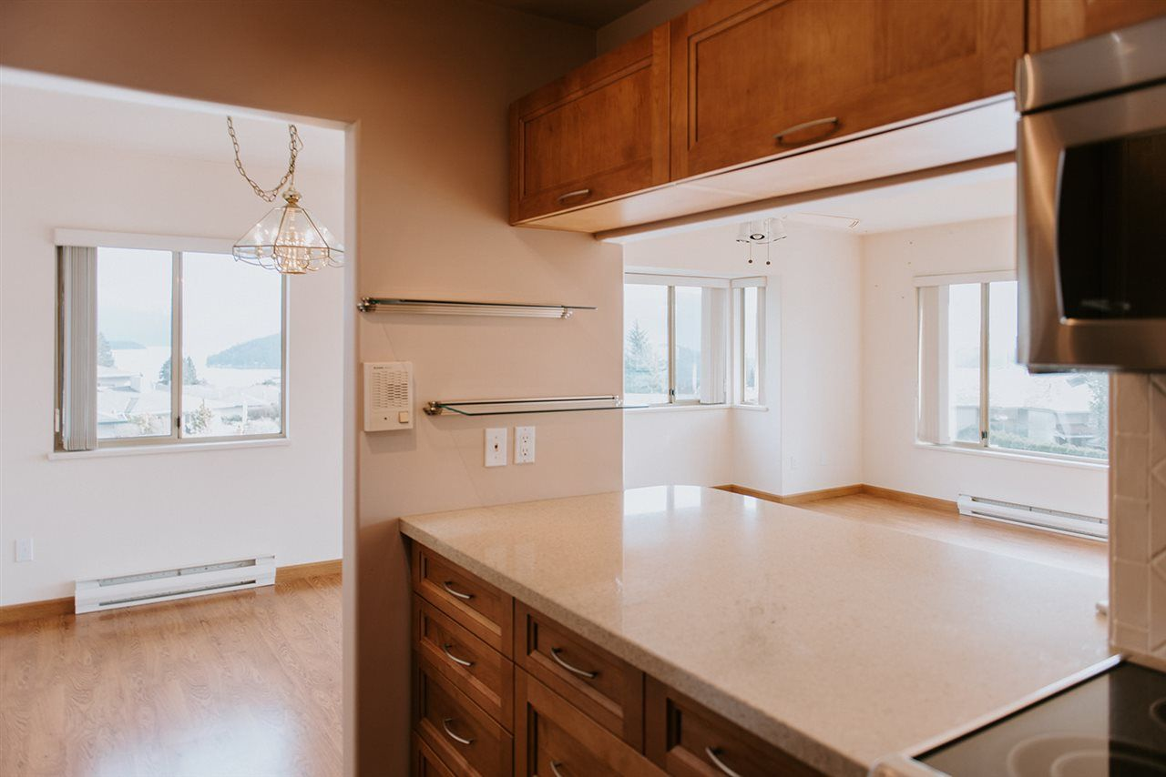 """Photo 7: Photos: 30 555 EAGLECREST Drive in Gibsons: Gibsons & Area Townhouse for sale in """"GEORGIA MIRAGE"""" (Sunshine Coast)  : MLS®# R2543427"""