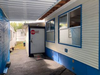 """Photo 2: 37 8266 KING GEORGE Boulevard in Surrey: Fleetwood Tynehead Manufactured Home for sale in """"Plaza"""" : MLS®# R2616816"""