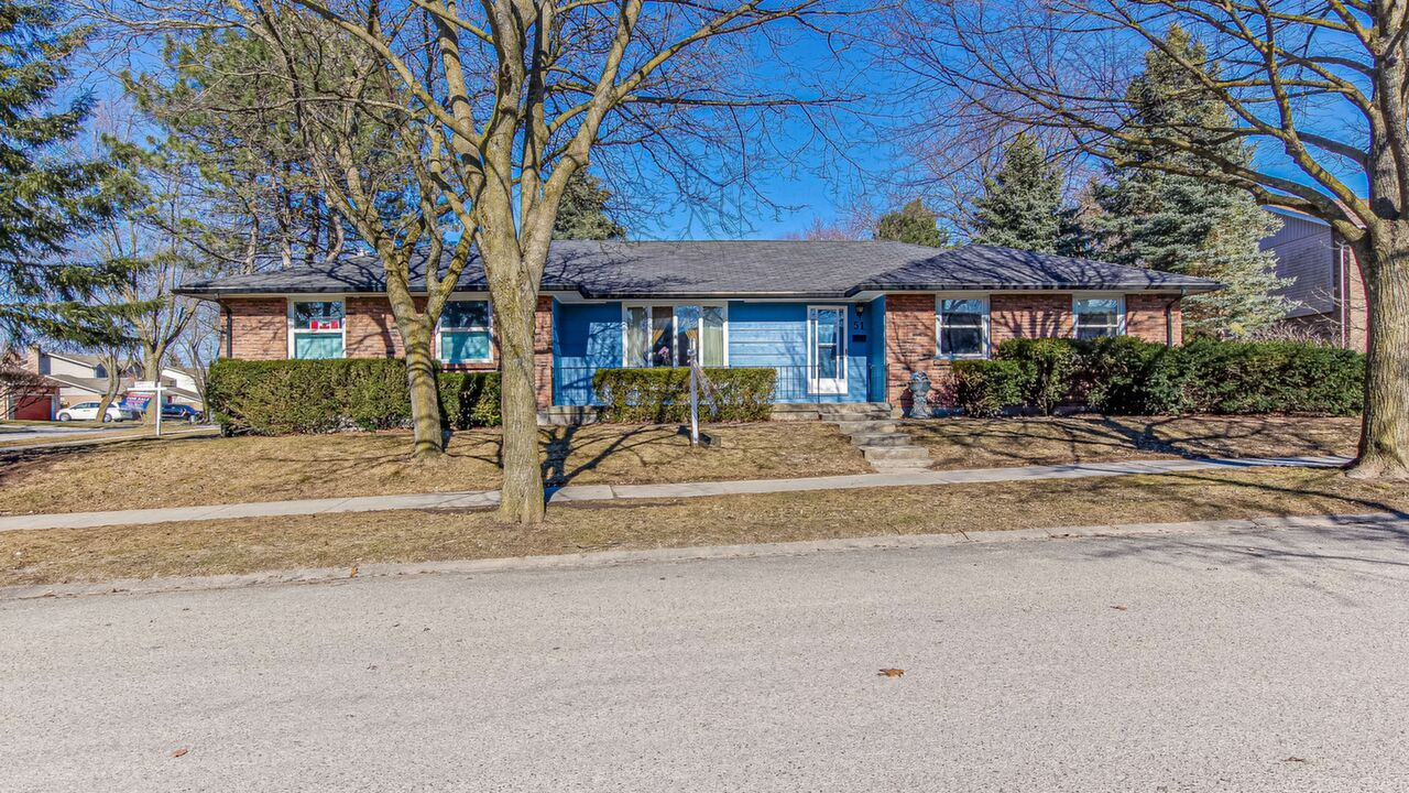 Main Photo: 51 Knights Bridge Road in London: House for sale : MLS®# 40081413