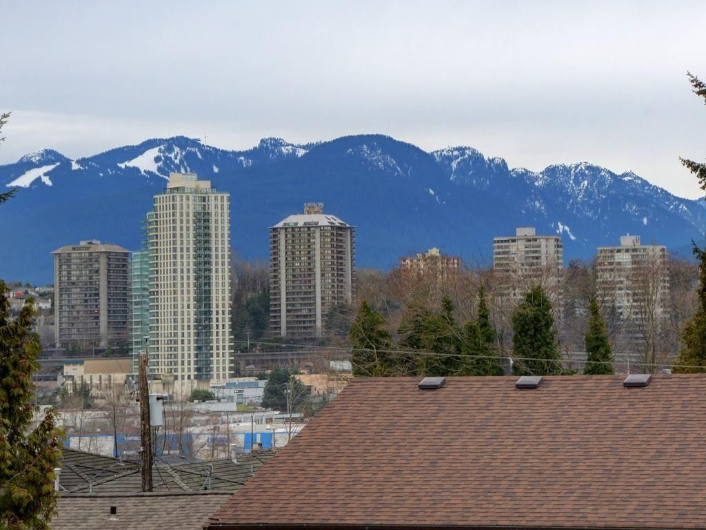 Photo 20: Photos: 5521 NORFOLK Street in Burnaby: Central BN House for sale (Burnaby North)  : MLS®# R2139065