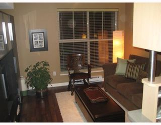 """Photo 5: C8 332 LONSDALE Avenue in North_Vancouver: Lower Lonsdale Townhouse for sale in """"CALYPSO"""" (North Vancouver)  : MLS®# V772199"""
