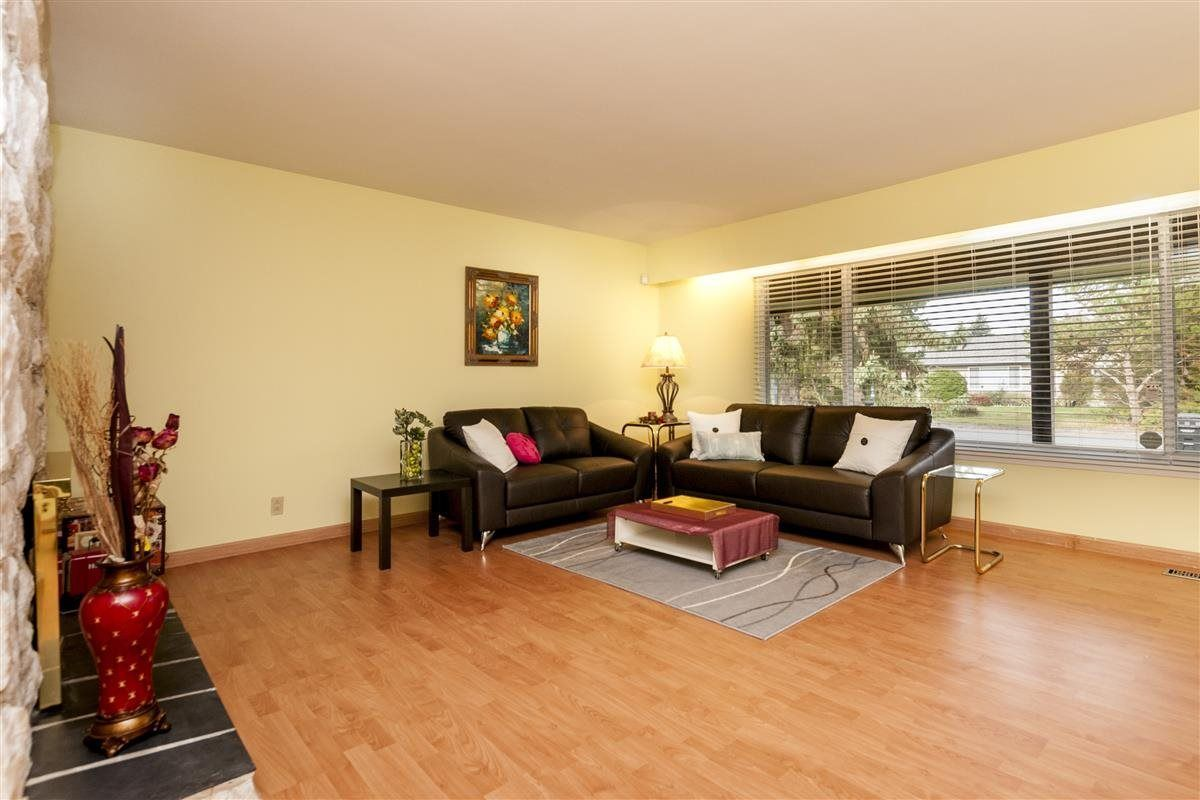 Photo 3: Photos: 9640 GLENTHORNE Drive in Richmond: Saunders House for sale : MLS®# R2265891