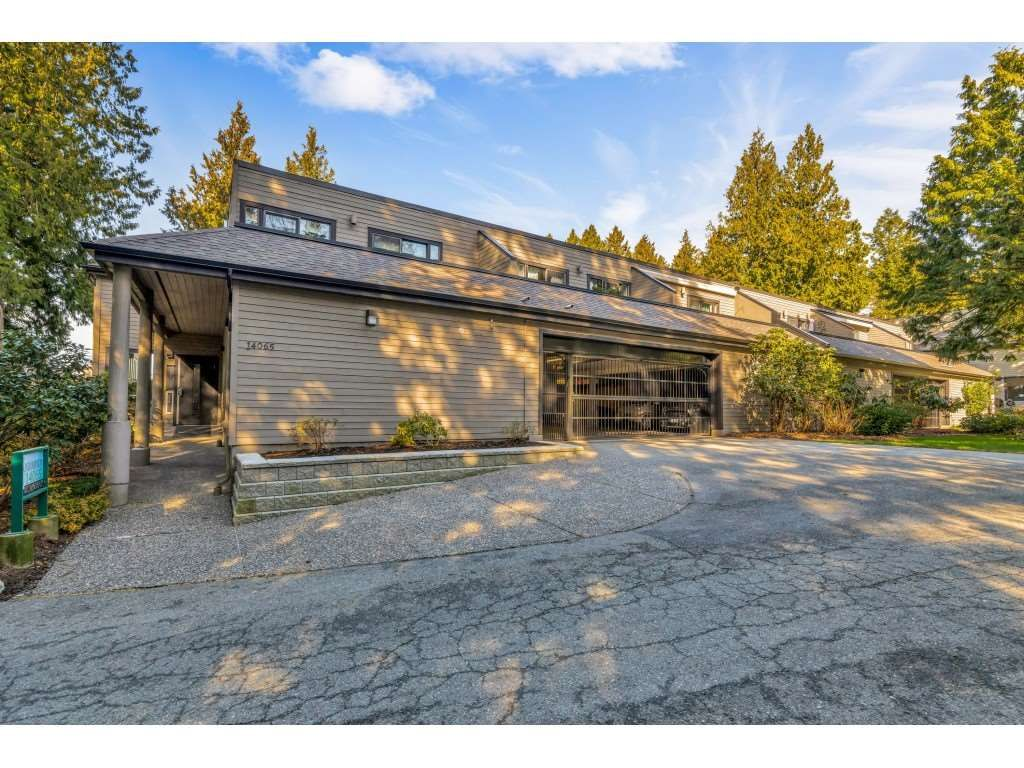 """Main Photo: 9 14065 NICO WYND Place in Surrey: Elgin Chantrell Condo for sale in """"Nico Wynd Estates"""" (South Surrey White Rock)  : MLS®# R2433148"""
