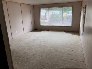 """Photo 3: 36 2270 196 Street in Langley: Brookswood Langley Manufactured Home for sale in """"Pine Ridge Park"""" : MLS®# R2373057"""