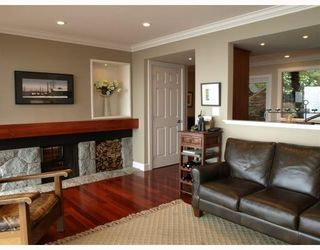 Photo 2: 4720 EASTRIDGE Road in North Vancouver: Deep Cove House for sale : MLS®# V748012
