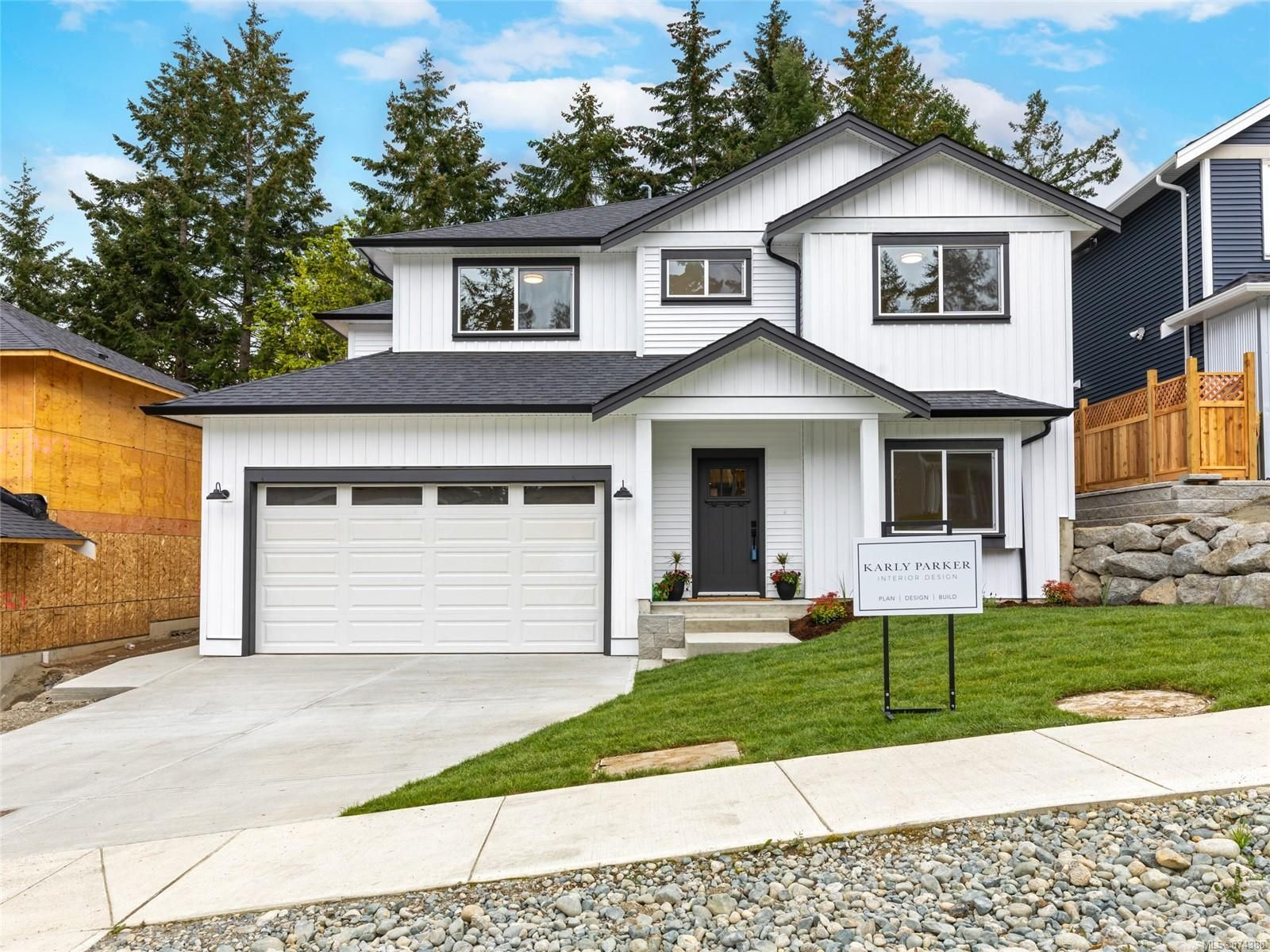 Main Photo: 107 Evelyn Cres in : Na Chase River House for sale (Nanaimo)  : MLS®# 874388