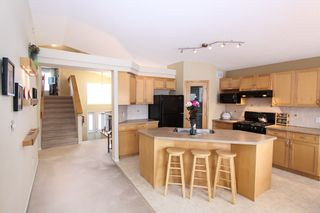 Photo 4: 19 Carsdale Drive in Winnipeg: Single Family Detached for sale (North West Winnipeg)  : MLS®# 1502785