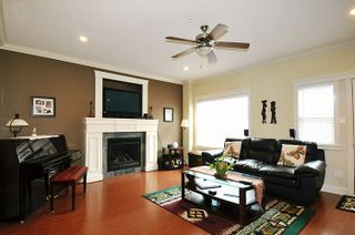 """Photo 4: 24279 101A Avenue in Maple Ridge: Albion House for sale in """"CASTLE BROOK"""" : MLS®# R2041174"""