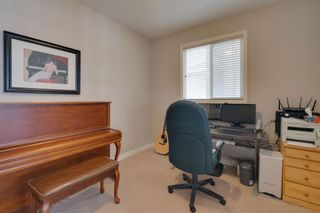 Photo 8: 52 Springbluff Lane SW in Calgary: Springbank Hill Detached for sale : MLS®# A1043718
