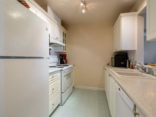 """Photo 5: 1804 6838 STATION HILL Drive in Burnaby: South Slope Condo for sale in """"THE BELGRAVIA"""" (Burnaby South)  : MLS®# R2544258"""