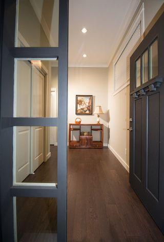 Photo 3: 1625 PINE SPRINGS LANE in Tsawwassen: Tsawwassen North House for sale : MLS®# R2466822