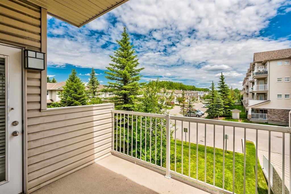 Photo 14: Photos: 204 1000 Applevillage Court SE in Calgary: Applewood Park Apartment for sale : MLS®# A1121312