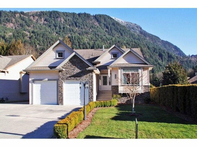 Main Photo: 462 NAISMITH Avenue: Harrison Hot Springs House for sale : MLS®# H1400361