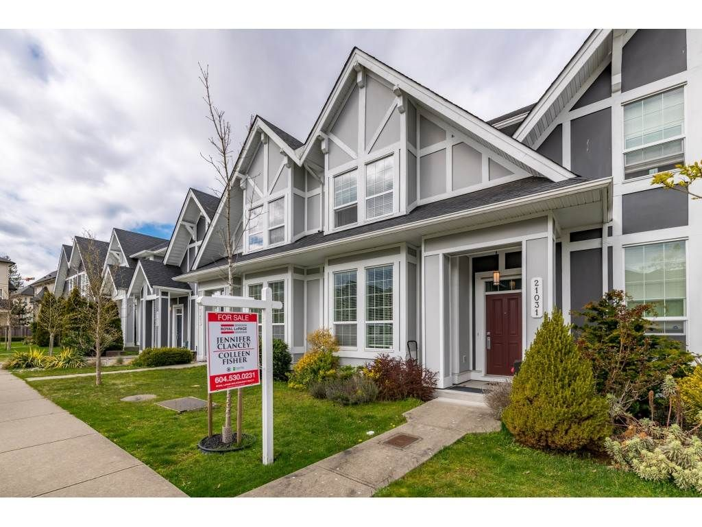 """Main Photo: 21031 79A Avenue in Langley: Willoughby Heights Condo for sale in """"Kingsbury at Yorkson South"""" : MLS®# R2448587"""