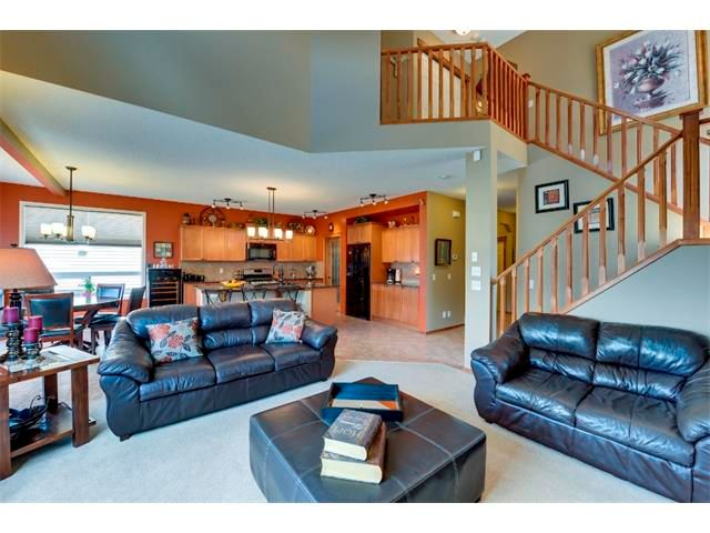 Photo 9: Photos: 21 MORNINGSIDE Bay SW: Airdrie House for sale : MLS®# C4011063