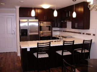 Photo 5: REALLY GORGEOUS 1BR PLUS DEN!