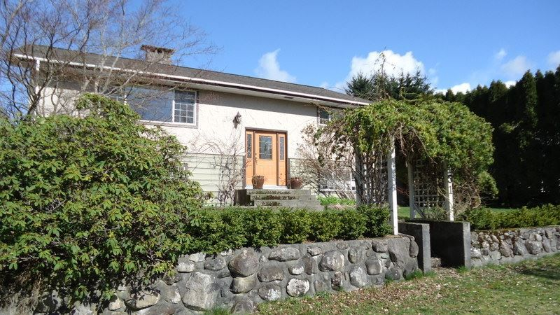 """Main Photo: 1151 AXEN Road in Squamish: Brackendale House for sale in """"Brackendale"""" : MLS®# R2047155"""