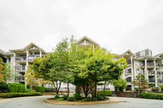 """Photo 3: 102 9233 GOVERNMENT Street in Burnaby: Government Road Condo for sale in """"Sandlewood complex"""" (Burnaby North)  : MLS®# R2502395"""