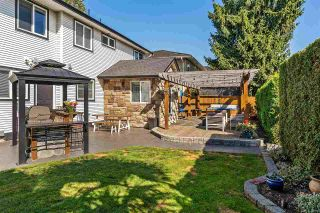 Photo 18: 18572 64 Avenue in Surrey: Cloverdale BC House for sale (Cloverdale)  : MLS®# R2410213