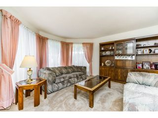 """Photo 3: 8508 121 Street in Surrey: Queen Mary Park Surrey House for sale in """"JANIS PARK"""" : MLS®# R2113584"""