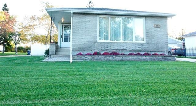 Main Photo: 620 Bardal Bay in Winnipeg: North Kildonan Residential for sale (3F)  : MLS®# 1927318