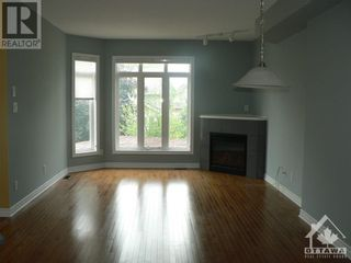 Photo 3: 301 WAYMARK CRESCENT in Ottawa: House for rent : MLS®# 1259127