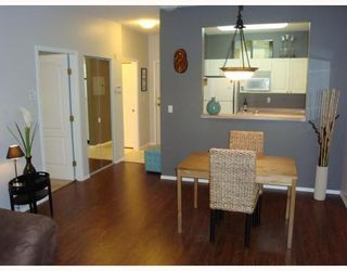 Photo 3: 107 2340 HAWTHORNE Ave in Port Coquitlam: Central Pt Coquitlam Home for sale ()  : MLS®# V800481