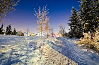Photo 30: 488 SHANNON SQ SW in Calgary: Shawnessy House for sale : MLS®# C4279332