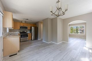 Photo 12: 121 Citadel Point NW in Calgary: Citadel Row/Townhouse for sale : MLS®# A1121802