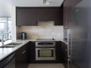 "Photo 5: 1302 158 W 13TH Street in North Vancouver: Central Lonsdale Condo for sale in ""VISTA PLACE"" : MLS®# R2497537"