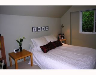 Photo 7: 3859 TRIUMPH Street in Burnaby: Vancouver Heights House for sale (Burnaby North)  : MLS®# V775545