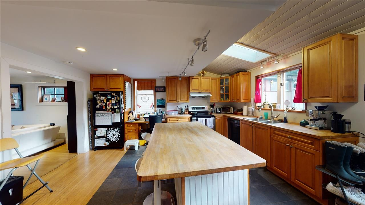 Photo 9: Photos: 1370 E 18TH Avenue in Vancouver: Knight House for sale (Vancouver East)  : MLS®# R2529375