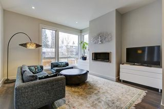 Photo 4: 2128 27 Avenue SW in Calgary: Richmond House for sale