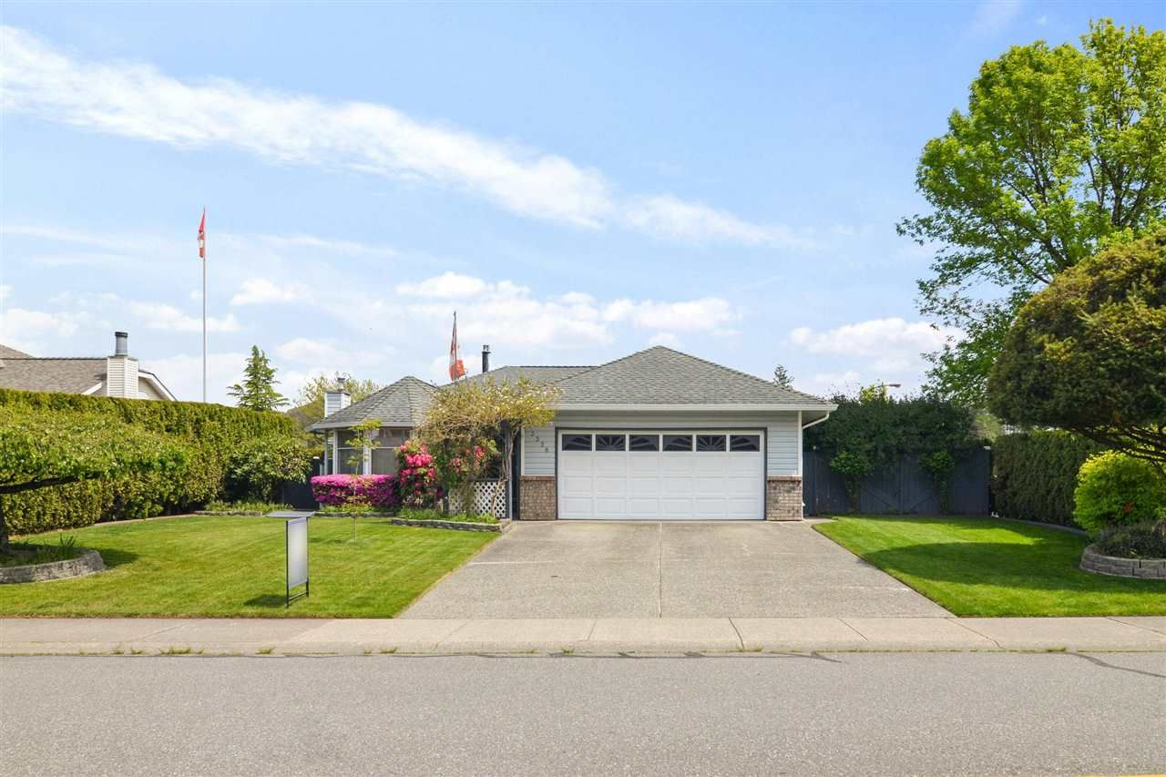 Main Photo: 3328 196A Street in Langley: Brookswood Langley House for sale : MLS®# R2579516