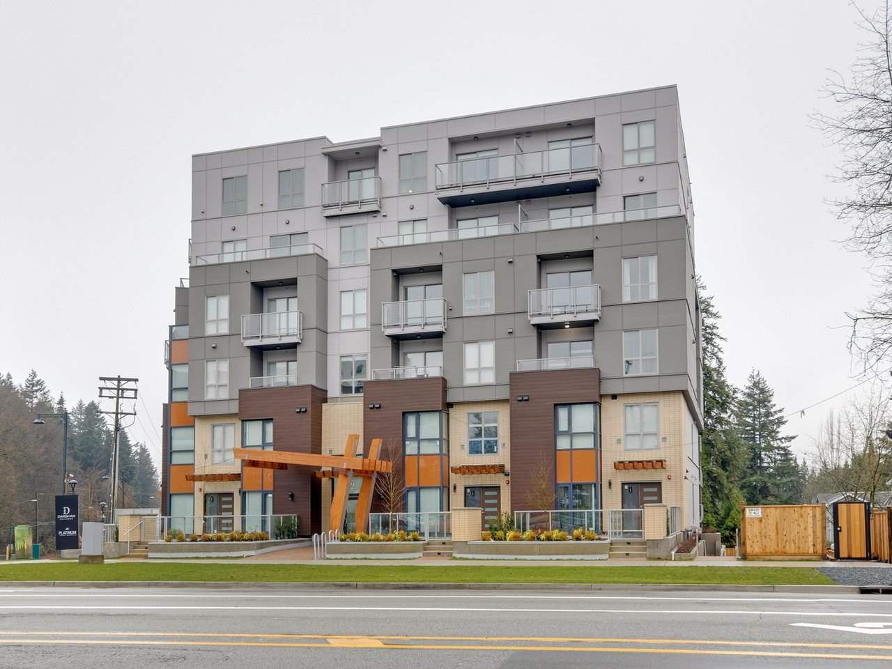 Main Photo: 408 13978 FRASER Highway in Surrey: Whalley Condo for sale (North Surrey)  : MLS®# R2530168