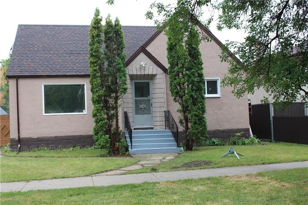 Main Photo: 1068 Magnus Avenue in Winnipeg: Shaughnessy Heights Residential for sale (4B)  : MLS®# 202120956