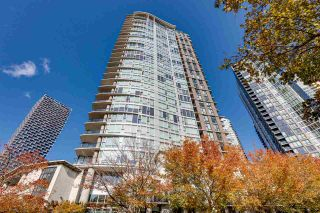 """Photo 1: 3002 583 BEACH Crescent in Vancouver: Yaletown Condo for sale in """"PARK WEST II"""" (Vancouver West)  : MLS®# R2593385"""