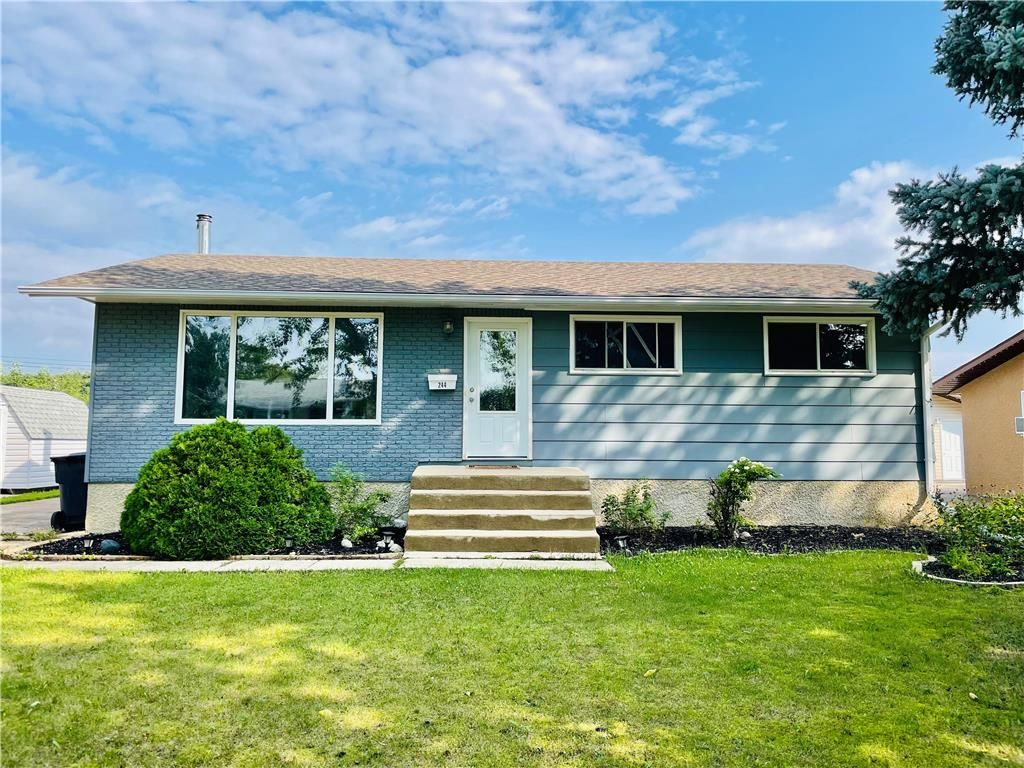 Main Photo: 244 Brown Avenue East in Dauphin: R30 Residential for sale (R30 - Dauphin and Area)  : MLS®# 202122711