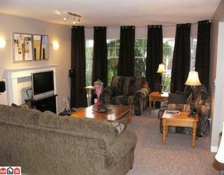 Photo 2: 2772 272B Street in Langley: Aldergrove Langley House for sale : MLS®# F2927893