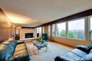 Photo 2: 5545 MORELAND DRIVE in Burnaby: Deer Lake Place House for sale (Burnaby South)  : MLS®# R2035415